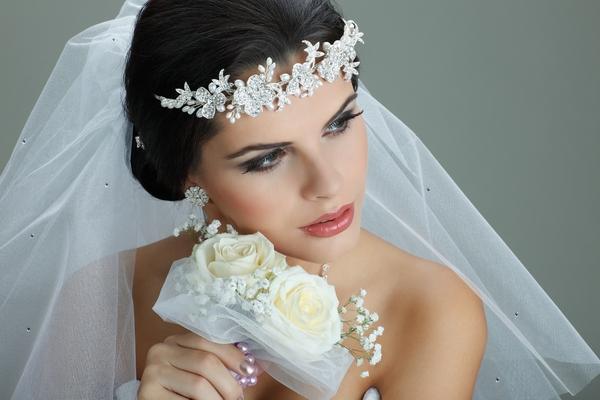 خطوات بسيطة ستجعل يوم زفافك خالي من أي متاعب