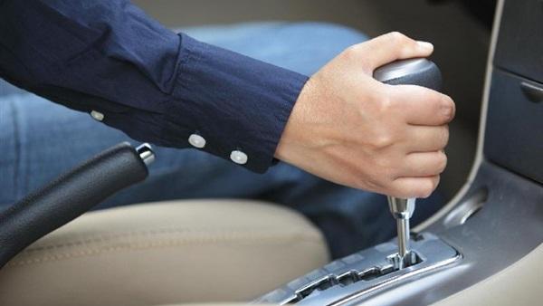 تعلم قيادة السيارات الاوتوماتيك وتعرف على رموز الفتيس